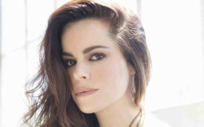 """Emily Hampshire to star in Indie film """"Never Saw It Coming"""""""