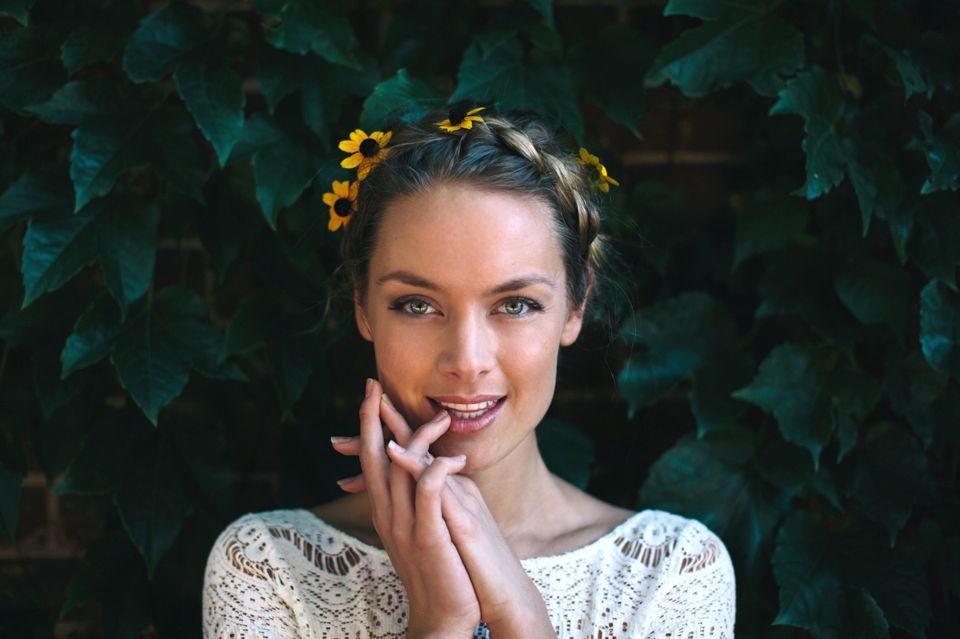 Rachel Skarsten to Recur on Season 2 of Imposters